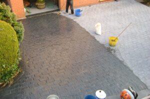 Sealing driveway